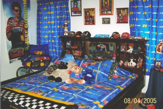 My sister s and I celebrate every Aug  4 for Jeff Gordon s birthday  I have  converted a room in my shop into a Jeff Gordon   Nascar Room. WTWC TV   International Speedway Nascar s Biggest Fan Contest